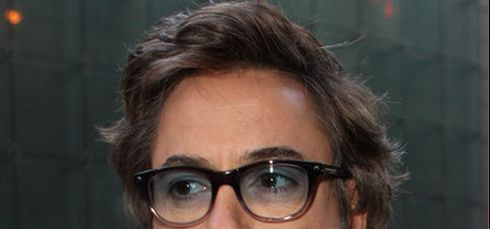 93f70a9bce Robert Downey Jr. and Classic Wayfarers - Sunglasses and Style Blog -  ShadesDaddy.com