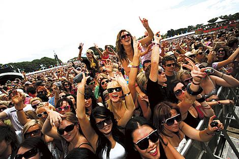 sunglasses music festivals 2013