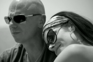 a52a11d597370 What Sunglasses Is Kenny Chesney Wearing In Come Over Video