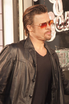dd5b179ce2fd0 What Sunglasses is Brad Pitt Wearing in Killing Them Softly ...