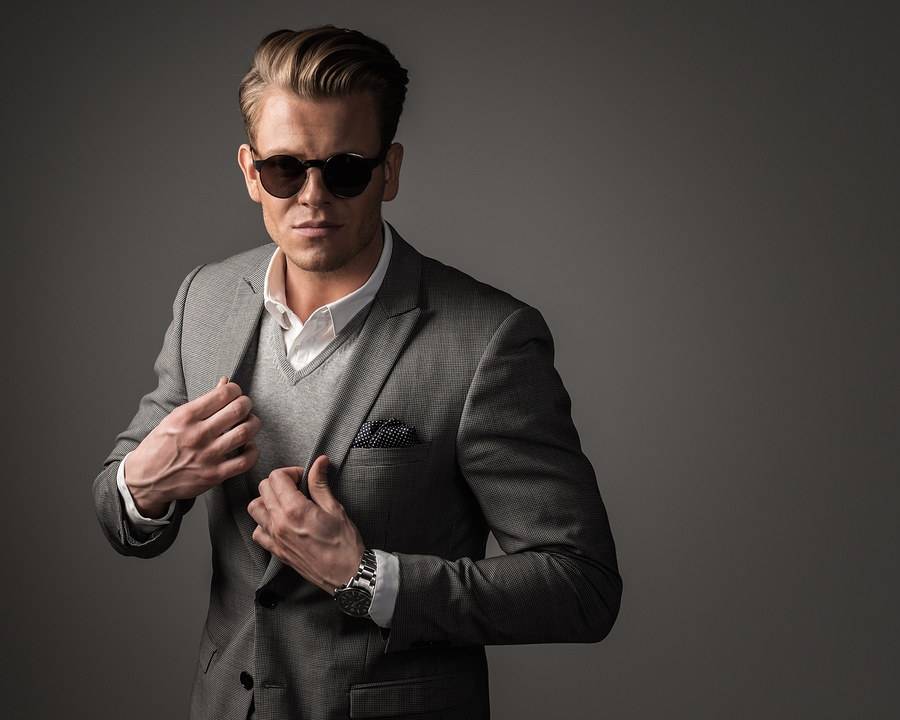 The Best Sunglasses for Men According To Their Face Shape ... 2ec96c77f121