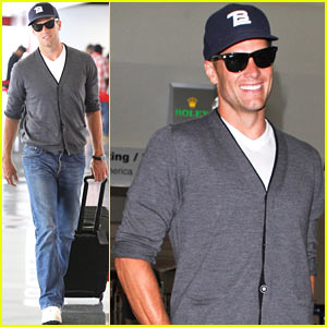 76493718bb Tom Brady Sunglasses Style - Sunglasses and Style Blog - ShadesDaddy.com